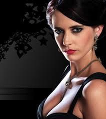 Pesona Gadis James Bond  007