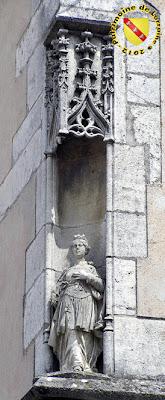 PULLIGNY (54) - Mairie - Niche gothique