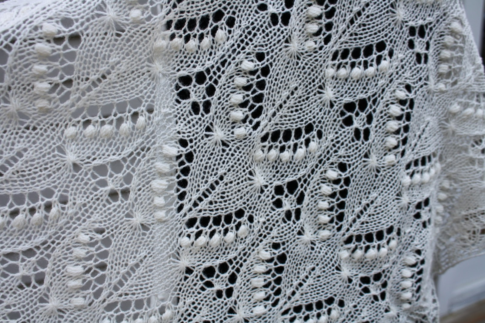 Knitted Lace Pattern : All Knitted Lace: Free Estonian Lace Pattern - Silvia - June Entry