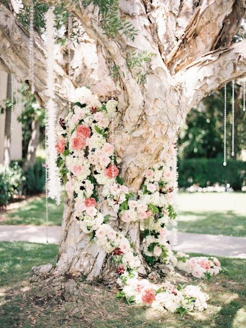 Guirnalda de Flores para Decorar un Árbol.