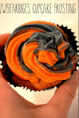 http://melinas-suesses-leben.blogspot.de/2013/10/cupcake-topping-in-2-farben-tutorial.html
