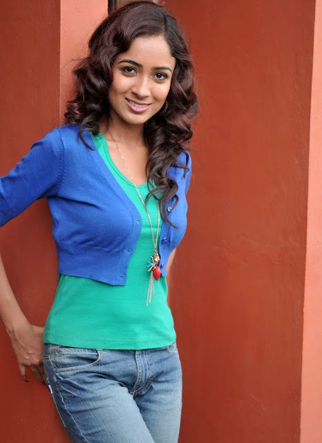 chengappa in blue jeans new hot photo still actresshdwallpapers