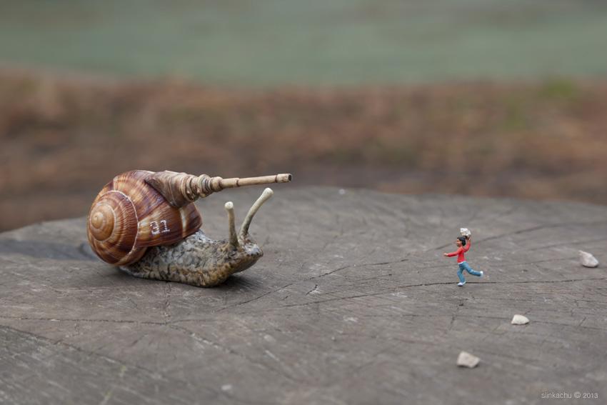 play fighting by slinkachu
