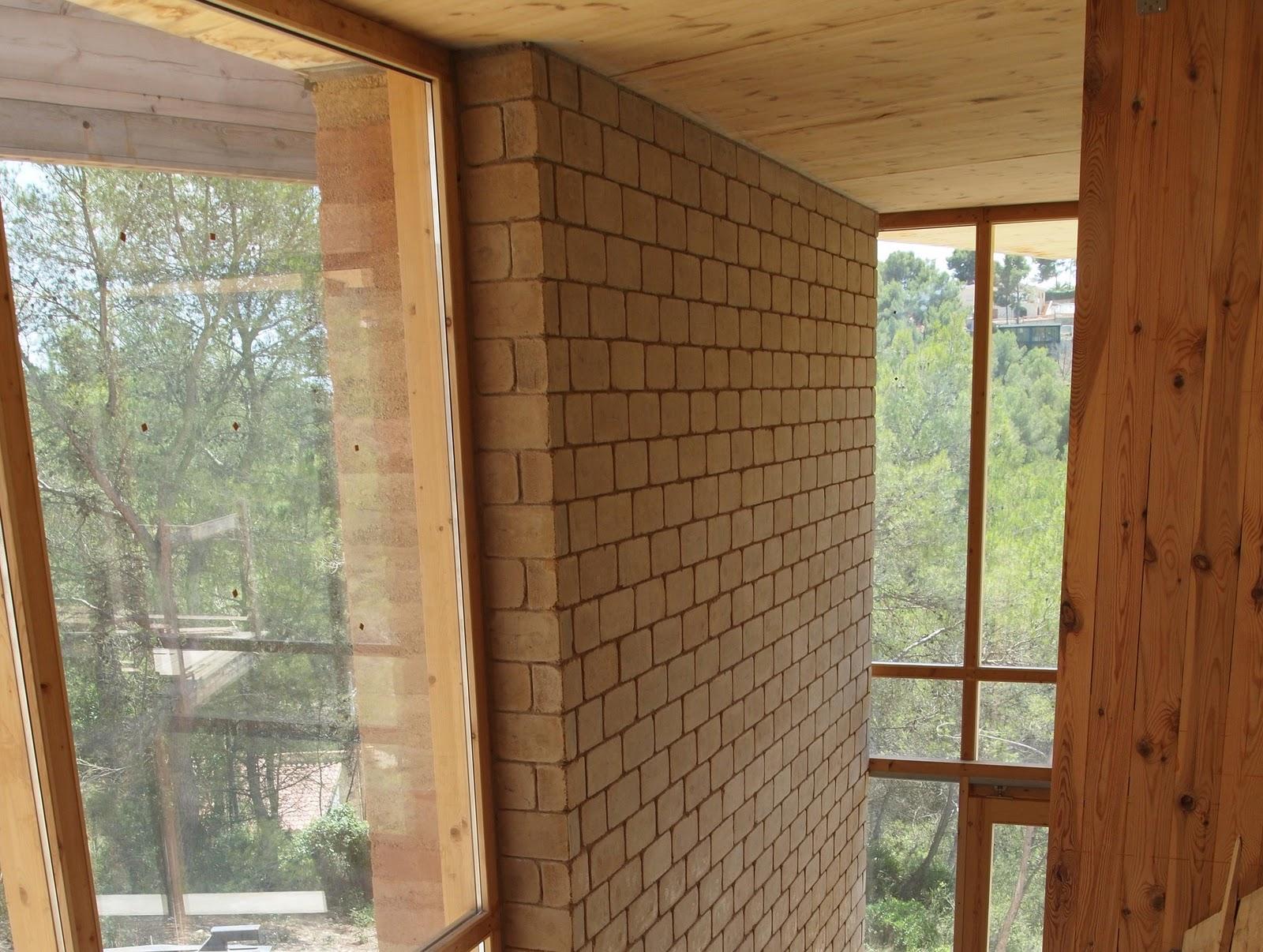 Junio 2011 muros interiores ladrillo adobe diario de una casa - Muros decorativos para interiores ...
