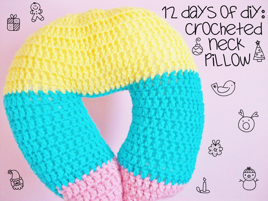 Crochet Pattern Neck Pillow : MooeyAndFriends: Crocheted Neck Pillow ? 12 Days of DIY