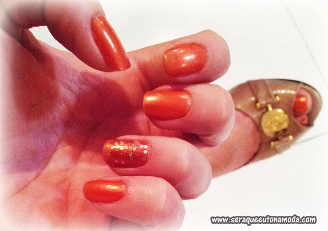 Esmalte laranja Nati e Impala