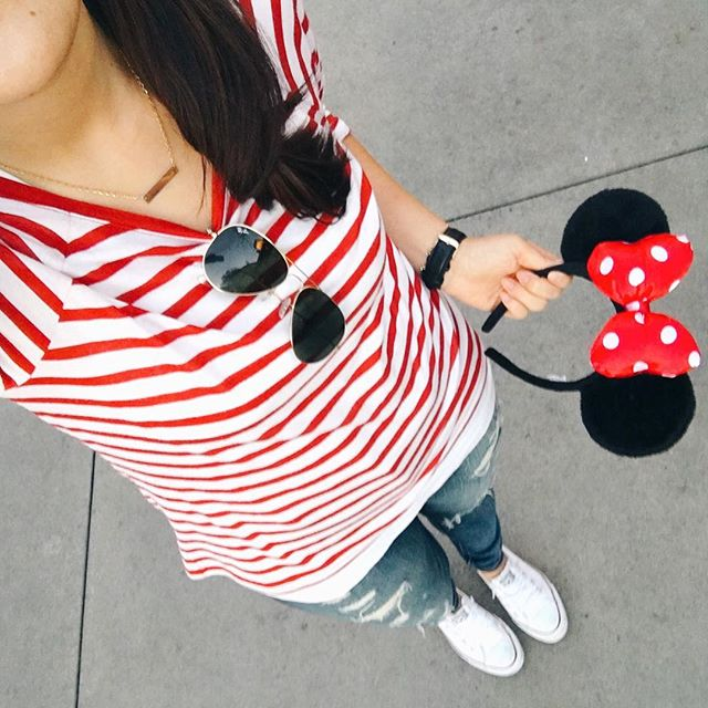 simplyxclassic, instgram, disneyland, fashion, style, minnie ears, stripes, blogger, what to wear to disneyland