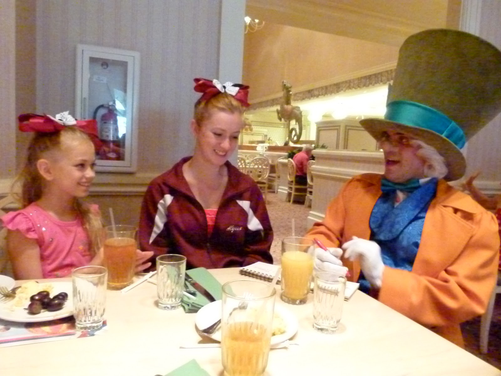 alice in wonderland tea party grand floridian reservations
