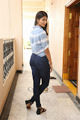 Pooja hegde gorgeous photo shoot-thumbnail-5