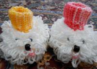 http://translate.googleusercontent.com/translate_c?depth=1&hl=es&rurl=translate.google.es&sl=en&tl=es&u=http://cobblerscabin.wordpress.com/happy-hookin/fluffy-booties-free-crochet-pattern/&usg=ALkJrhjy7M6uOtgDphrpbeFkLS87P8VxoQ