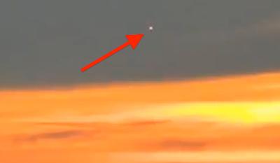 Glowing UFO Sighting Above Russia, UFO Sighting News