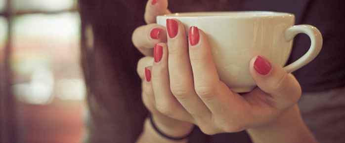 Green tea is great. Not just for your body, but for your face. Brew a cup of this fantastic stuff and read on about an easy way to do some damage control when you fall asleep with your makeup on! | mascarawarrior.com