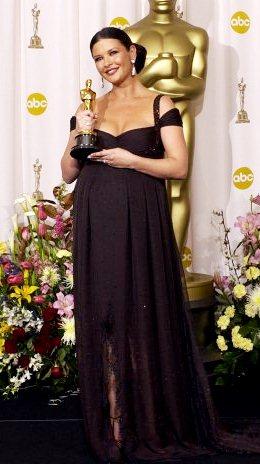 Foto de Catherine Zeta Jones embarazada en los Premios Oscar