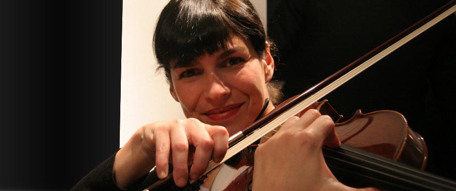 Yanet Infanzon La O - Violinistin-Sängerin. Graz.