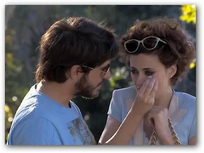 Fernando intenta consolar a Ivana