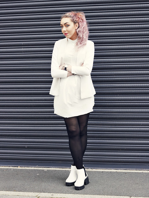 Lookbook Blogger All In White
