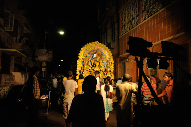 Durga Puja 2011. Nikon D300 and the Nikon 18-70mm zoom @ 1600 ASA.
