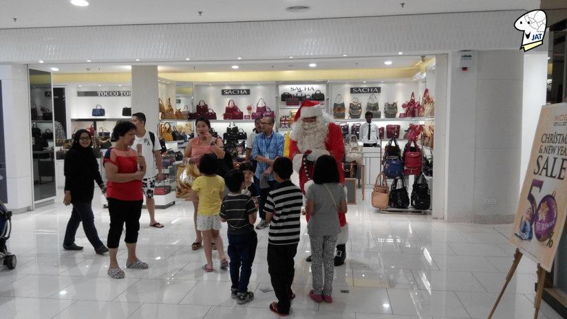 Quill City Mall, Santa Clause Meet and Greet.