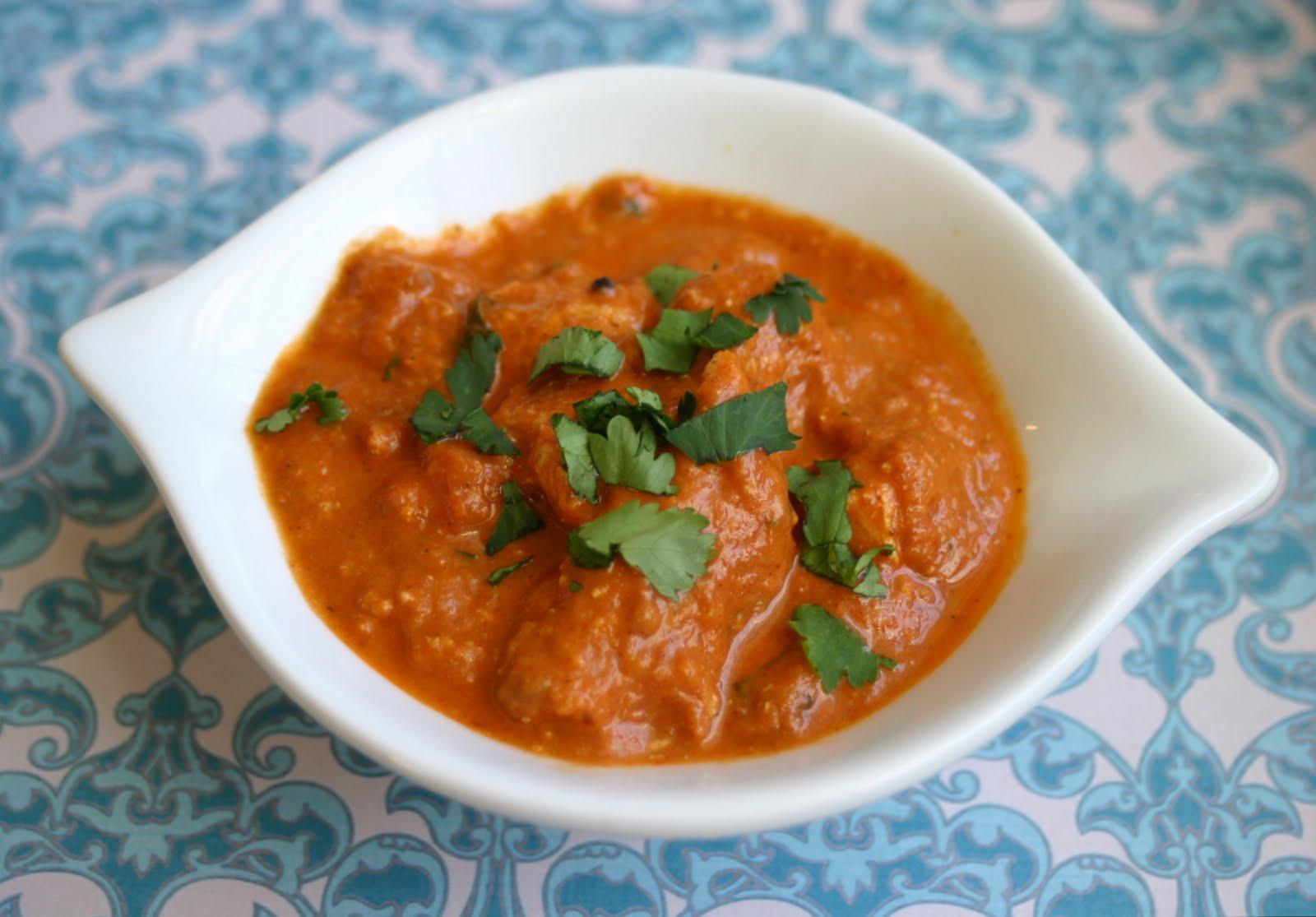 My Retro Kitchen: Chicken in Creamy Tomato Curry: Chicken Tikka Masala