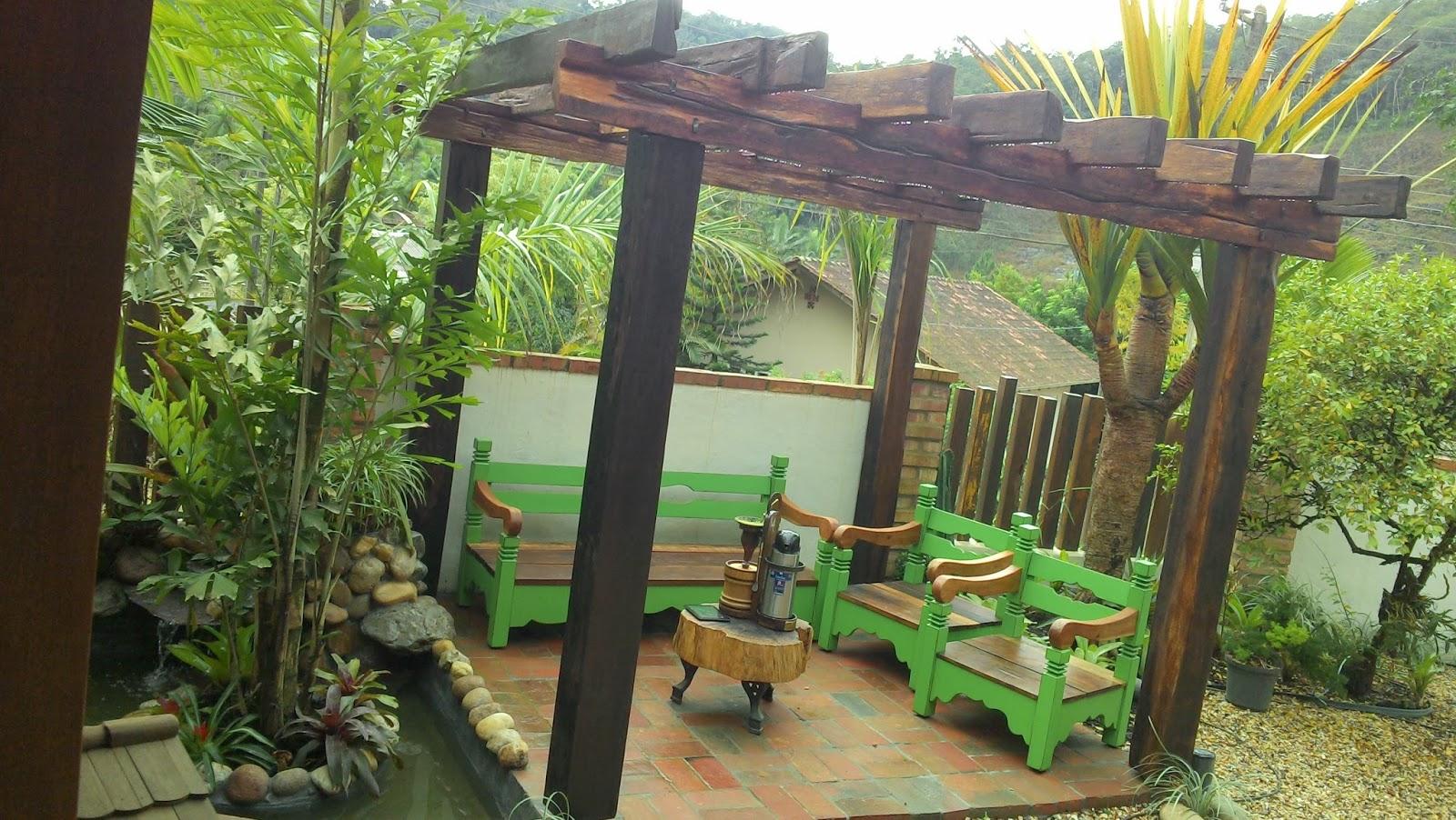 Pergolado bancos e lago elaborados para cada tipo de jardim deixando  #739734 1600x902