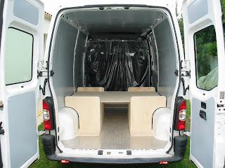 Les meubles sont d montables am nager un camping car en for Meuble cuisine camping car