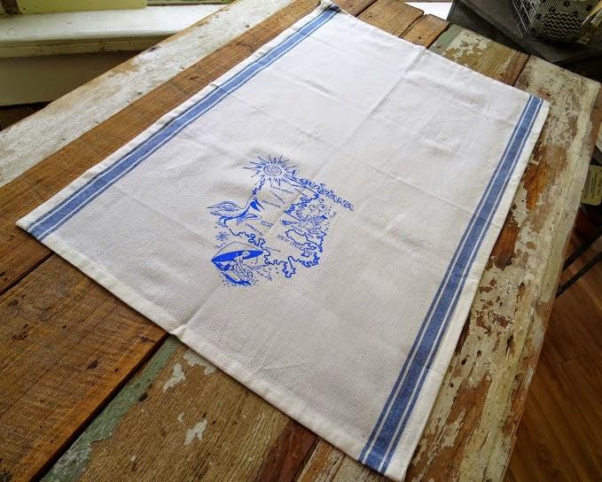 https://www.etsy.com/listing/212759957/louisiana-state-souvenir-vintage-blue