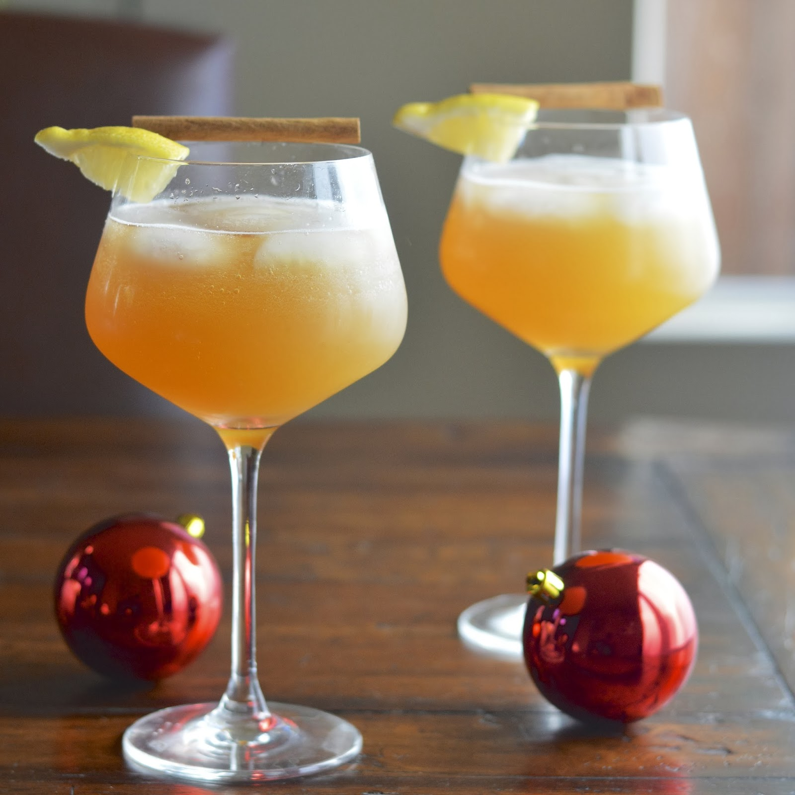 Sparkling Apple Cinnamon Cocktail | Virtually Homemade: Sparkling ...