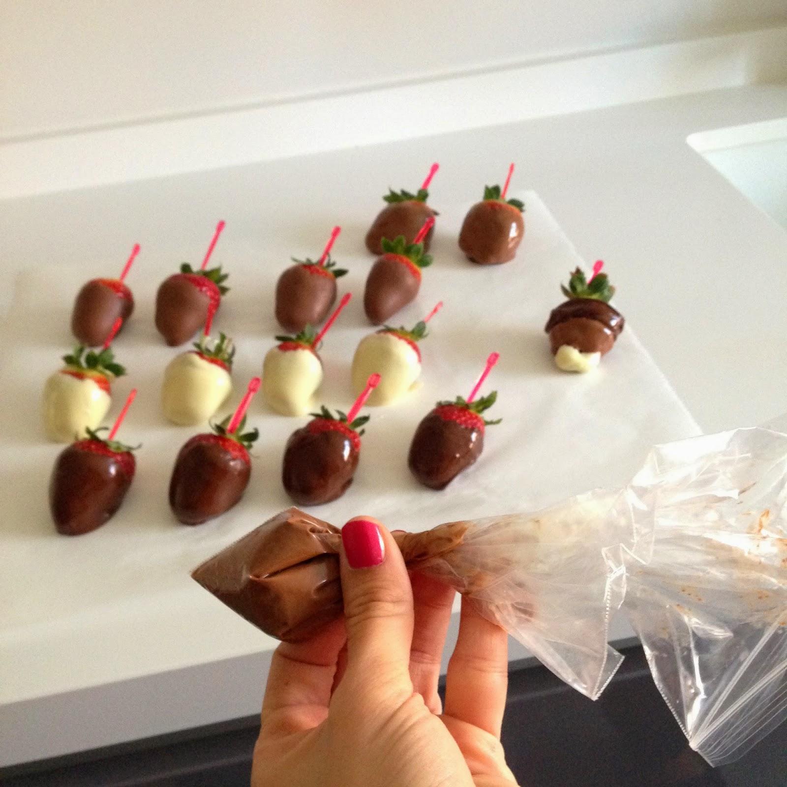 Fresas con chocolate paso a paso buscando forma a las - Como hacer zumo de fresa ...
