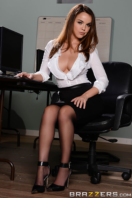 Dillion Harper – Call Center Coochie (Big Tits At Work)