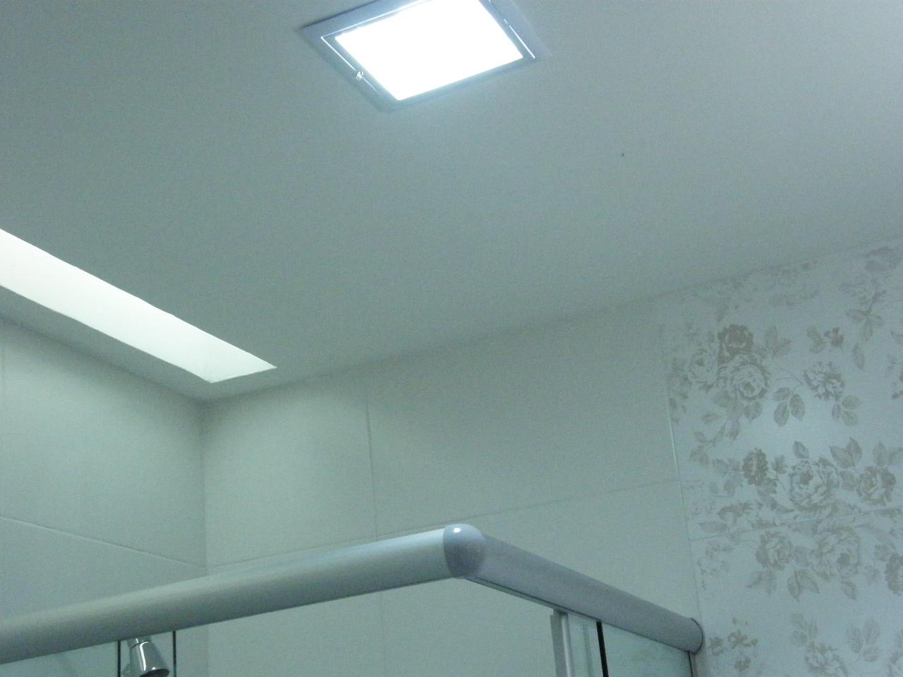 iluminação ficou igual nos dois banheiros. uma luminária central  #498272 1280 960