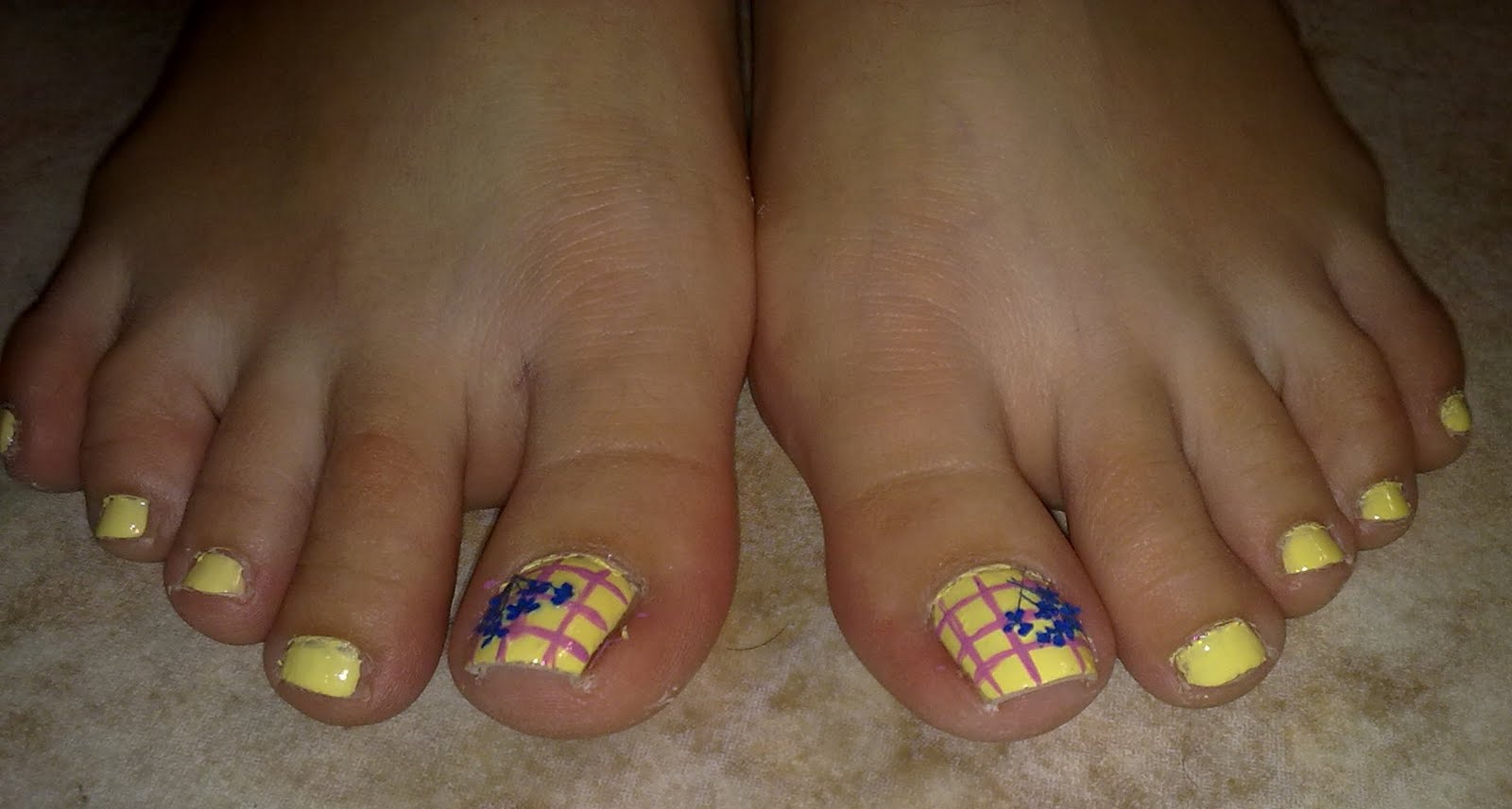 Toe Nail Art of the Week: Colour-Blocking with Dried Flowers - Every ...