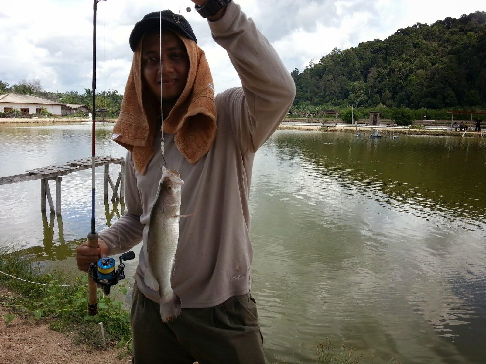 P2U Angler 02
