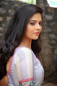 sri mukhi latest glamorous photos-thumbnail-4