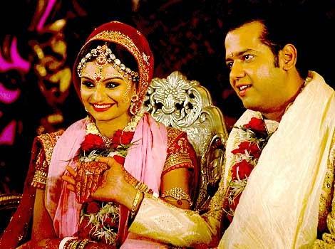 Scrutiny Dimpy Amp Rahul Mahajans Marriage Is On The Rocks