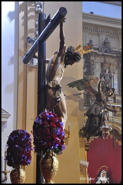Besapiés al Cristo de la Salud de la Hermandad de San Bernardo
