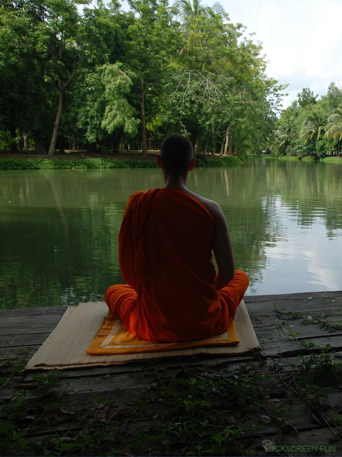 Meditating Buddhist Mo...