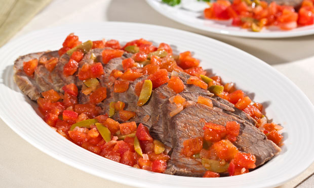 Receita de Alcatra assada com molho rápido de tomate