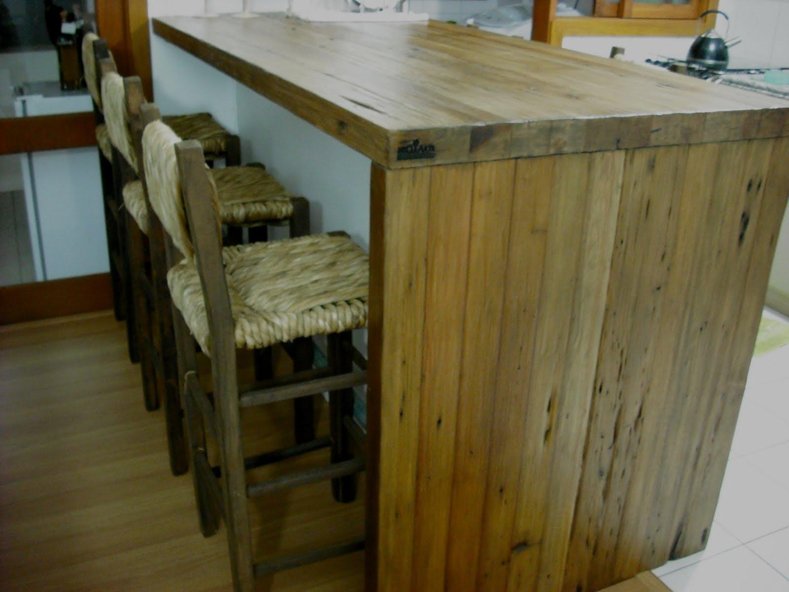 design de linhas retas onde a textura da madeira de #5C491B 1600x1200