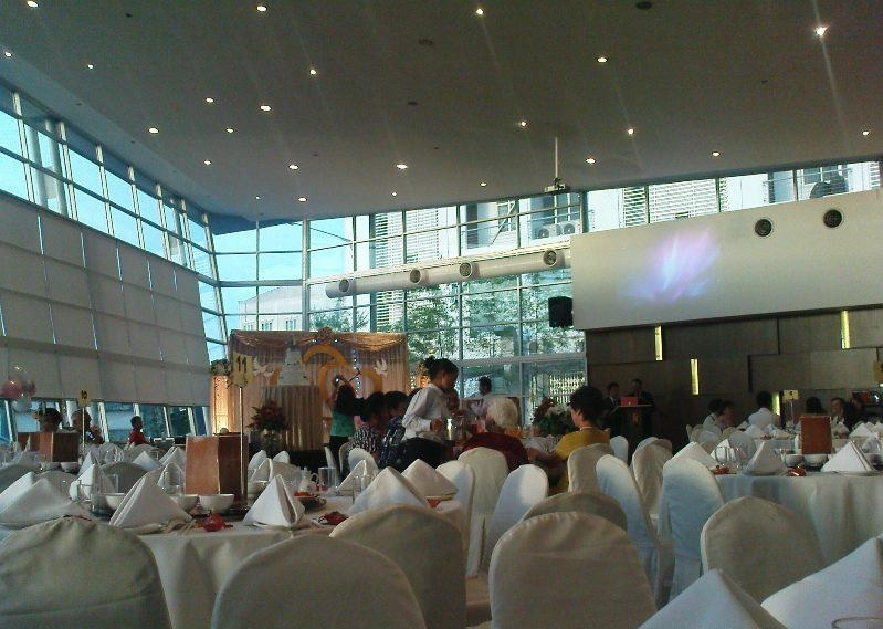 The banquet restaurant kuching fit up to 55 tables junglespirit Image collections