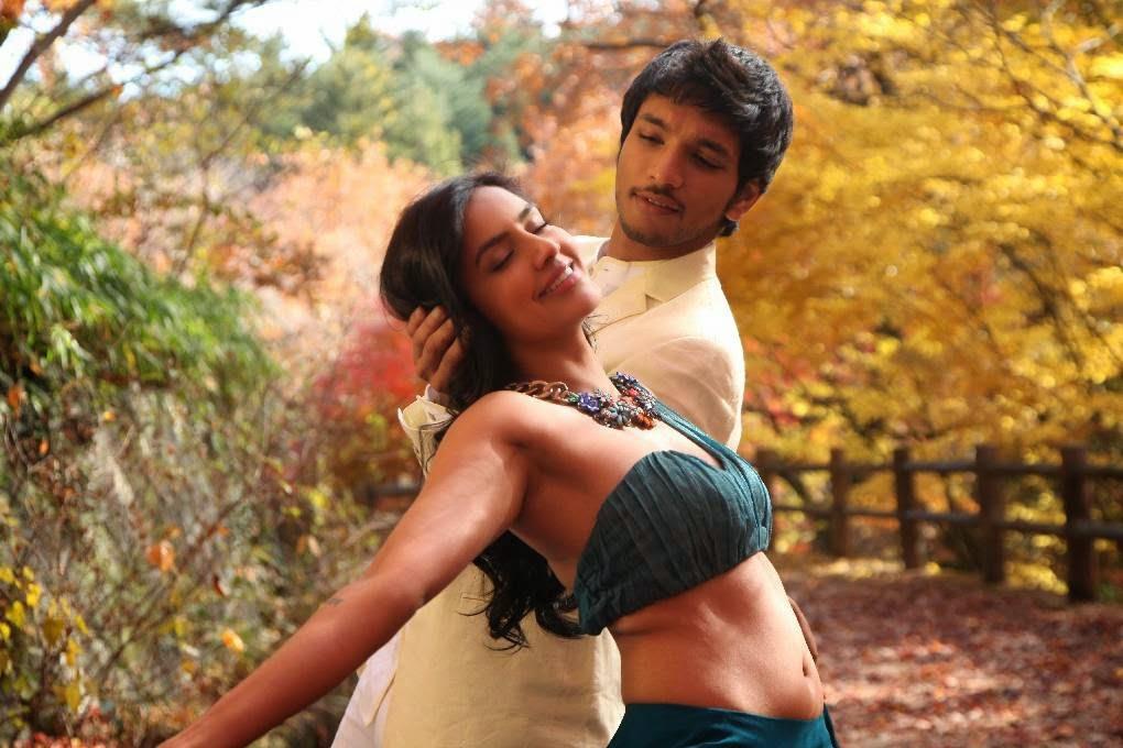[Image: Priya-Anand-Navel-Show-in-Vai-Raja-Vai-M...ills-3.jpg]