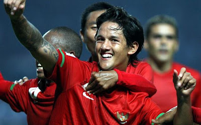 http://1.bp.blogspot.com/-foINxCC-CLw/UA9aG_r4YWI/AAAAAAAABVg/ZBJtV1Xquy8/s1600/Timnas-Indonesia-Bachdim-2.jpg