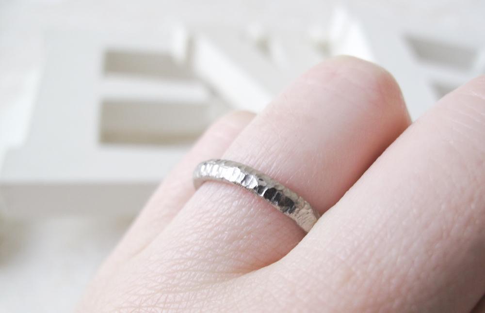 6 consejos para saber cómo escoger el anillo de compromiso - fotos de anillos de oro blanco