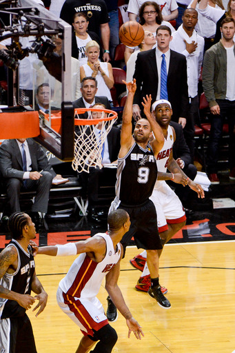 Tony Parker game 1 shot, Tony Parker Finals shot