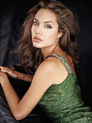 style up new fashion 2013  Angelina Jolie