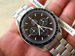 OMEGA SPEEDMASTER CHRONOGRAPH CHRONOMETER RACING CARBON DIAL - AUTOMATIC - MINTS CONDITION