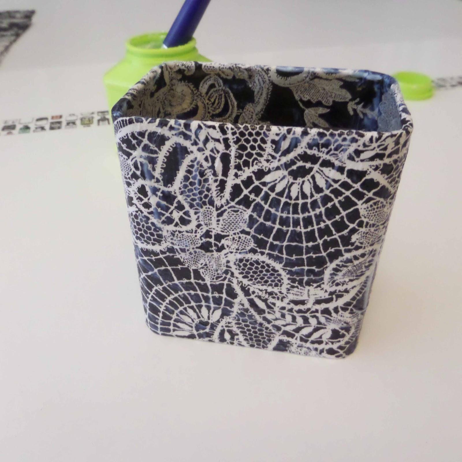 Caja imantada para bol grafos leroy merlin for Iman adhesivo leroy merlin