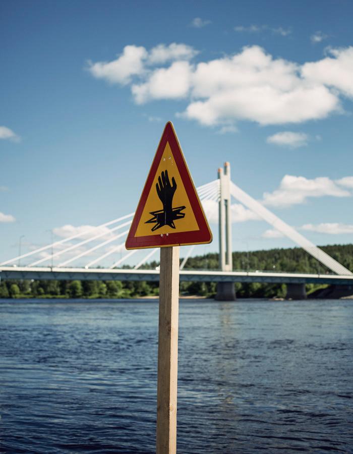Jätkänkynttilä bridge in Rovaniemi photo by Kreetta Järvenpää www.gretchengretchen.com