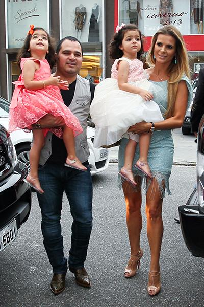 3 anos das gêmeas Isabella e Helena filhas do cantor Luciano Camargo