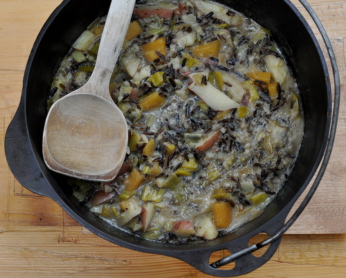Creamy Wild Rice Soup ♥ KitchenParade.com, a classic way to use wild rice, creamy and hearty but light in calories.
