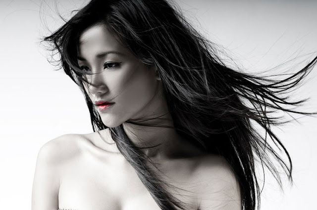 Maya Singer Nude Photos 5